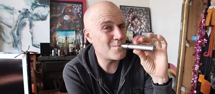 La cigarette électronique à l'honneur avec Jan Kounen !